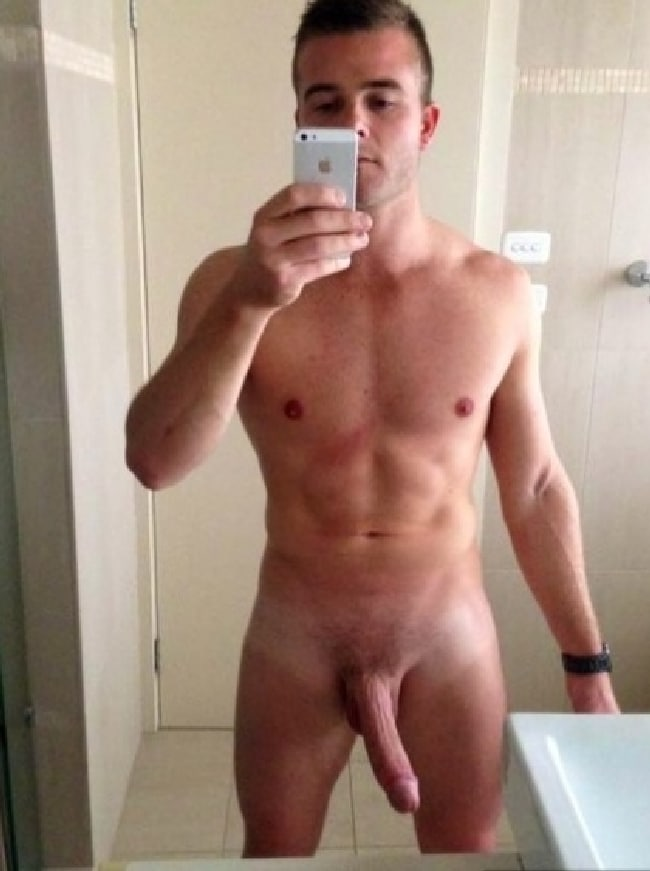 Nude Good Looking Man With A Large Penis - Nude Men Post